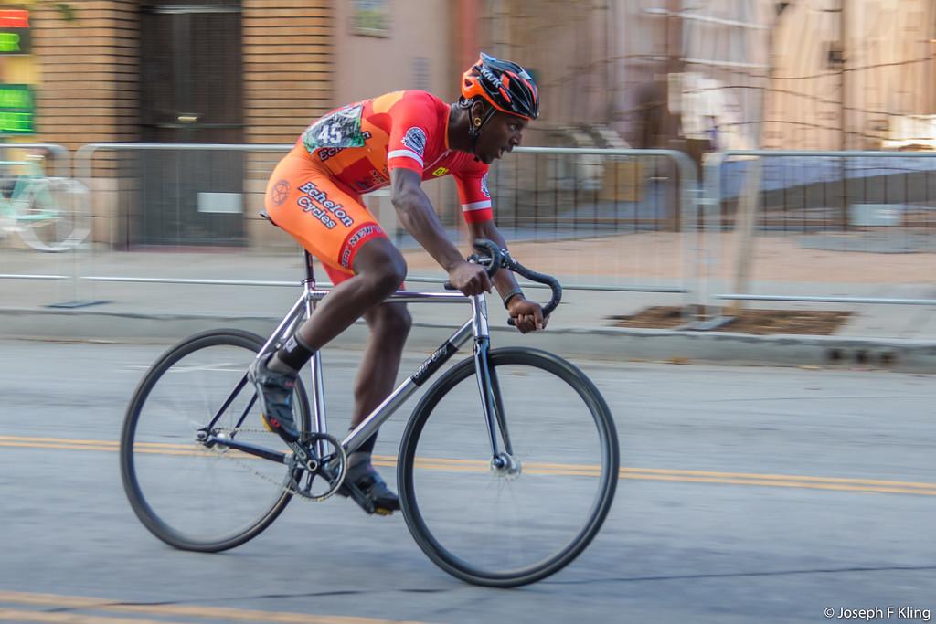 IMAGE: https://joetakesphotos.smugmug.com/Cycling/Long-Beach-Bike-Fest-2016/i-7JLSC8s/0/XL/LBBikeFest2016-539-XL.jpg
